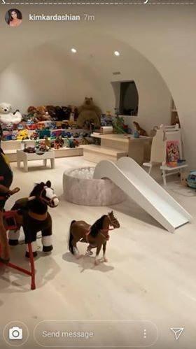 Игровая комната детей Ким Кардашян разительно отличается от большинства