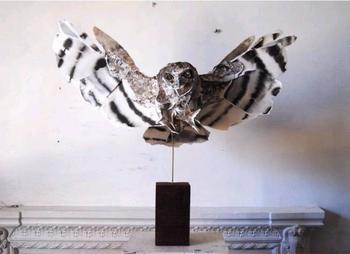Скульптуры из кусков переработанной бумаги