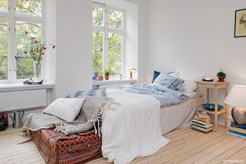 Умиротворяющая атмосфера однокомнатной шведской квартиры
