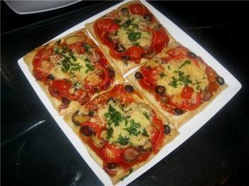Мини-пиццы из слоеного теста - просто и вкусно