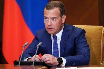 Медведев предупредил Белоруссию о печальных последствиях
