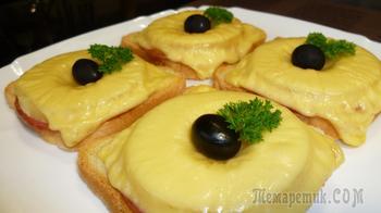 Гавайские тостики - бутерброды, которые готовятся легко и съедаются с удовольствием