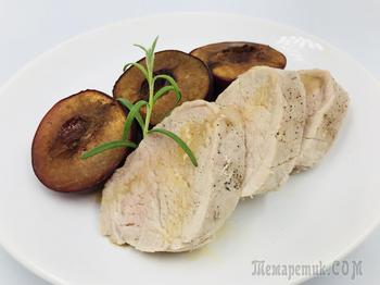 Нежное свиное филе с ароматным гарниром из слив