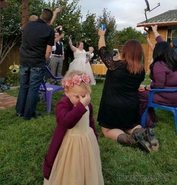 25 смешных детей на свадьбе, которые ненавидят этот дурацкий взрослый праздник
