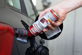 Присадки для очистки топливной системы бензинового двигателя, преимущества и недостатки