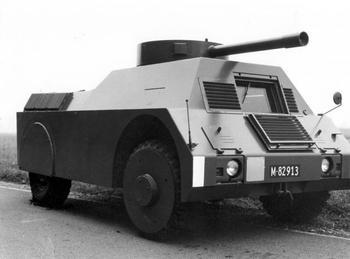 Учебный бронеавтомобиль-мишень MOWAG Panzerattrappe (Швейцария)