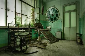 Фотопроект: заброшенные психиатрические больницы