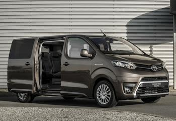 Toyota Proace Verso Electric 2021: электрический компактвэн в пассажирской и грузовой комплектациях