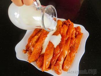 Я нарезаю полосками курицу и мариную в кефире и специях / Очень вкусные куриные шашлычки