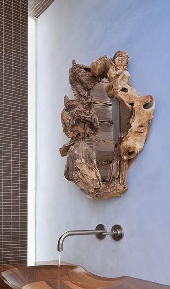 20 зеркал с обрамлением из старого дерева