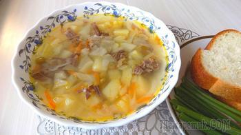 Быстрый суп из тушенки со свежей капустой и зеленым горошком