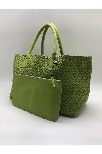 Зеленые сумки – новый хит вашего образа