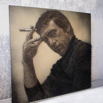 Российский художник создаёт впечатляющие портреты из ниток и гвоздей