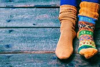 Азбука рукодельницы: идеи, что можно сделать с непарным носком