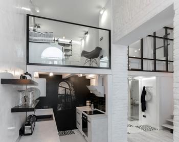 Эффектный черно-белый лофт в центре Львова
