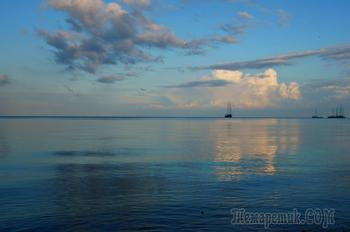 Вечер у моря  (Стих)