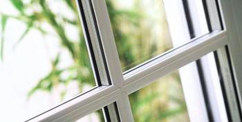 Как снять защитную плёнку с пластиковых окон