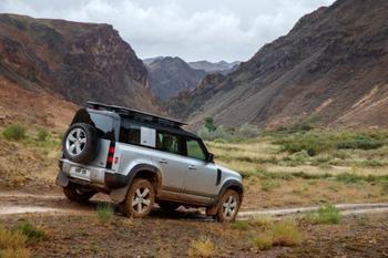 Новый Land Rover Defender: 9 фактов о главном внедорожнике уходящего года