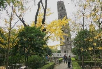 10 наклонных башен, которые могут составить конкуренцию Пизанской башне