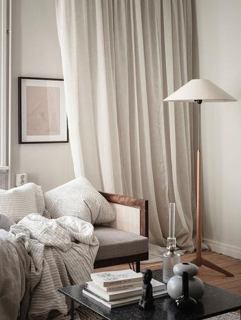 Крошечная квартира в тёплых тонах для девушки (25 кв. м)
