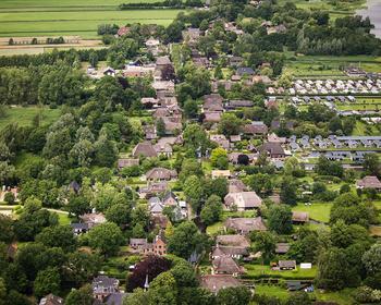 Деревня без дорог Гитхорн (Нидерланды): каналы и мосты в сельской глубинке