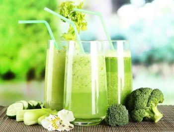 Держим вес под контролем: полезный зеленый коктейль