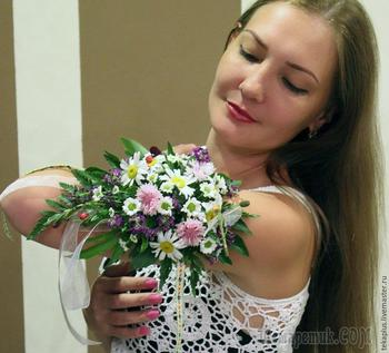 Букет-браслет из живых цветов