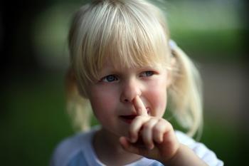 Вредные привычки у детей: почему и что делать