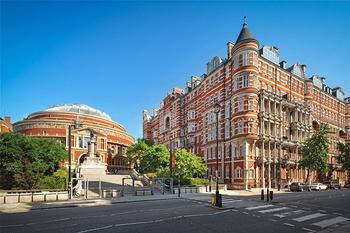 Изысканная современная классика с видом на Альберт-холл в Лондоне