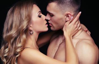 Как определить характер и сексуальность мужчины по поцелую