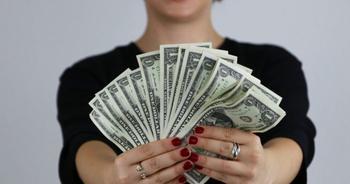 5 денежных привычек, которые помогут выйти из долговой ямы и не попадать в нее
