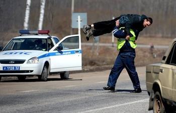 Штраф за объезд припаркованного авто через сплошную: изучаем КоАП РФ