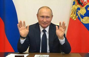 Путин на фоне митингов против фальсификаций на выборах заявил о «развитии демократии» в России