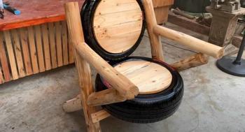 Кресло из шин в деревенском стиле