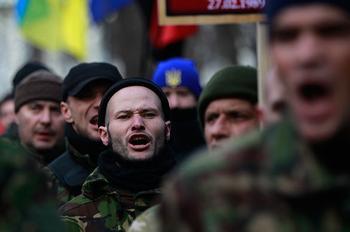 Когда страной управляют банды: об Украине и частных армиях