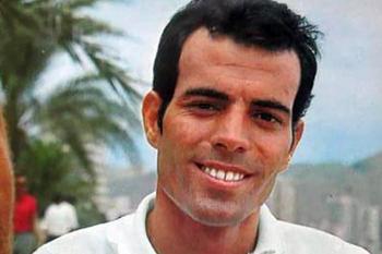 Хулио Иглесиасу – 75: Как автокатастрофа превратила футболиста в испанского певца №1