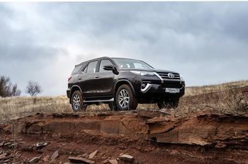 Каннибал и гробовщик: тест Toyota Fortuner