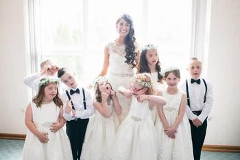 Особенные гости: учительница пригласила всех своих учеников к себе на свадьбу