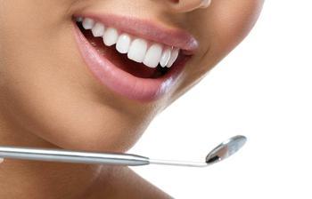 Эти 6 натуральных средств эффективно устранят зубной налёт
