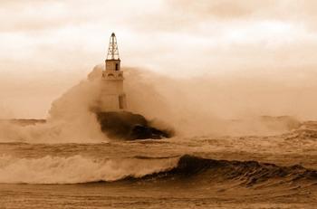 Маяки в шторм