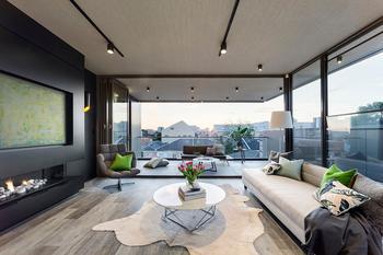 Современный дом с огромными окнами в Австраллии