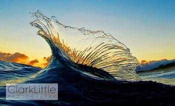 Восхищайтесь: Неповторимая красота прибрежных волн океана. Фотограф: Кларк Литтл