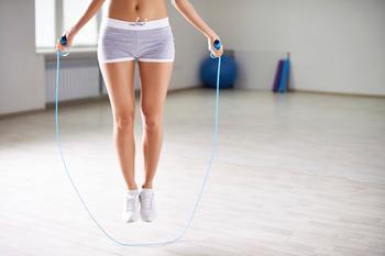 Скакалка для эффективного домашнего похудения. Ваш личный кардиотренажер у вас дома