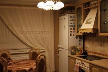 Кухня: бежевый интерьер с уклоном в прованс