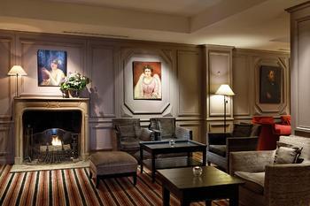 Уют и роскошь интерьера парижской гостиницы