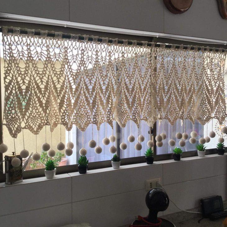 Рукодельные вязаные шторы