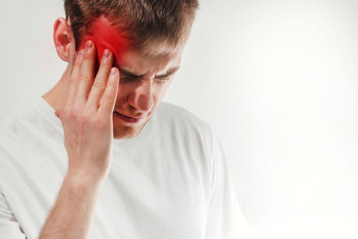 Мигрень у подростков - причины, симптомы и лечение