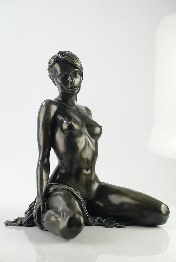 Yves Pires - Sculptures : Yulia Drapé