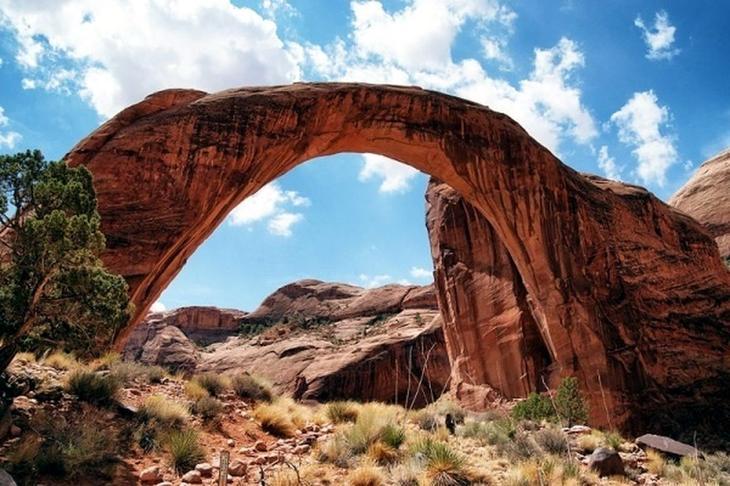 Радужный мост США. Создано самой природой. Невероятные природные арки. Фото с сайта NewPix.ru