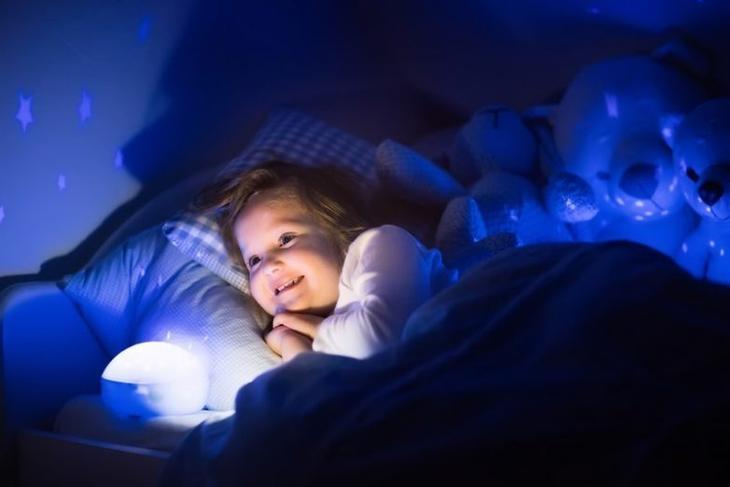 Почему ребенок просит попить воды перед сном?